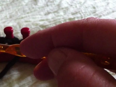 Monter les mailles sur tricotin (suite1)