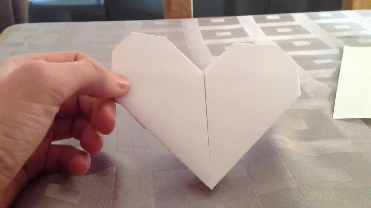 Faire un coeur en origami - Coeur en papier