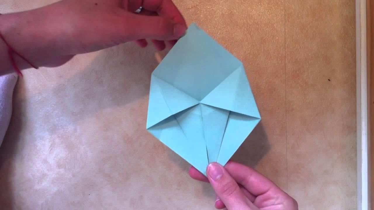 Faire une boite en étoile en origami - Boite en forme d'étoile en papier