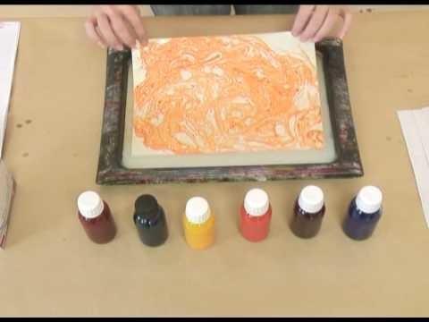 Fabrication de Papier marbré par l'Atelier du livre