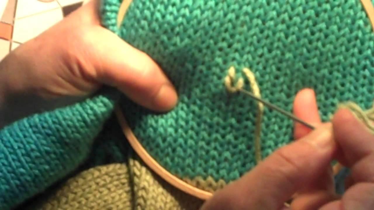 Broderie Jacquard sur un tricot en jersey endroit