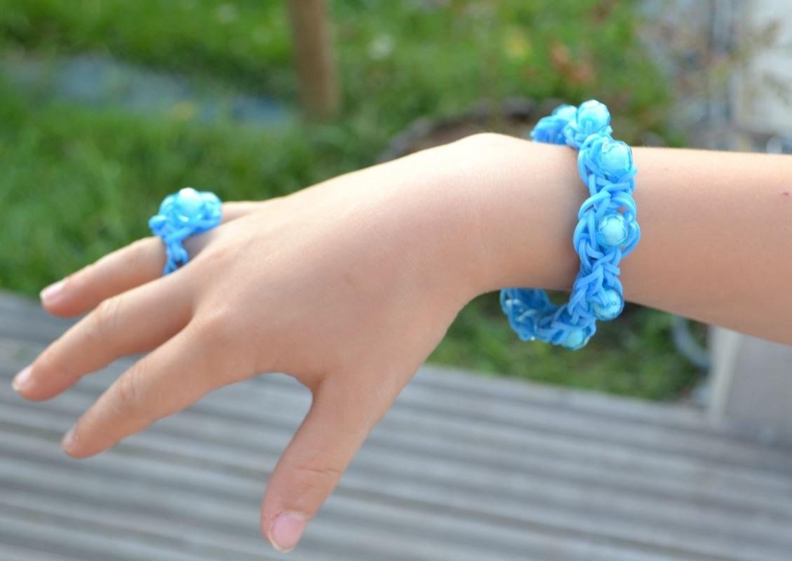 Bracelet et bague en élastiques avec des perles -  rainbow loom bracelet with beads - tutorial DIY