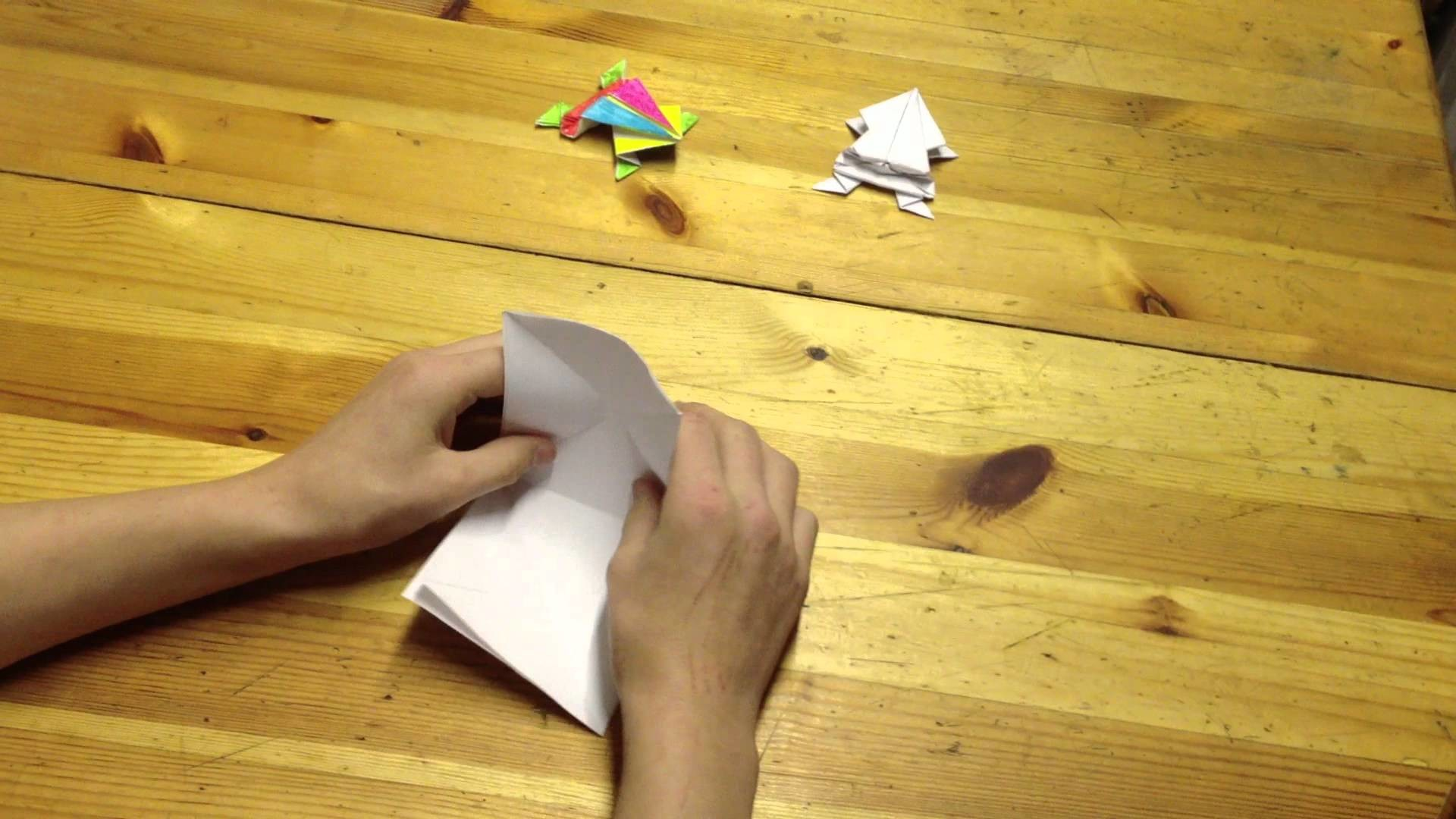 Faire une grenouille  en papier - Tutoriel grenouille en origami: Astuce origami facile