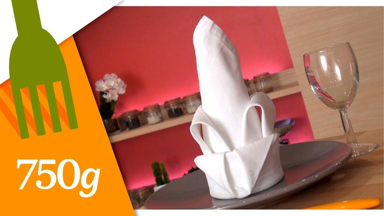 Pliage de serviette en forme d'iris - 750 Grammes