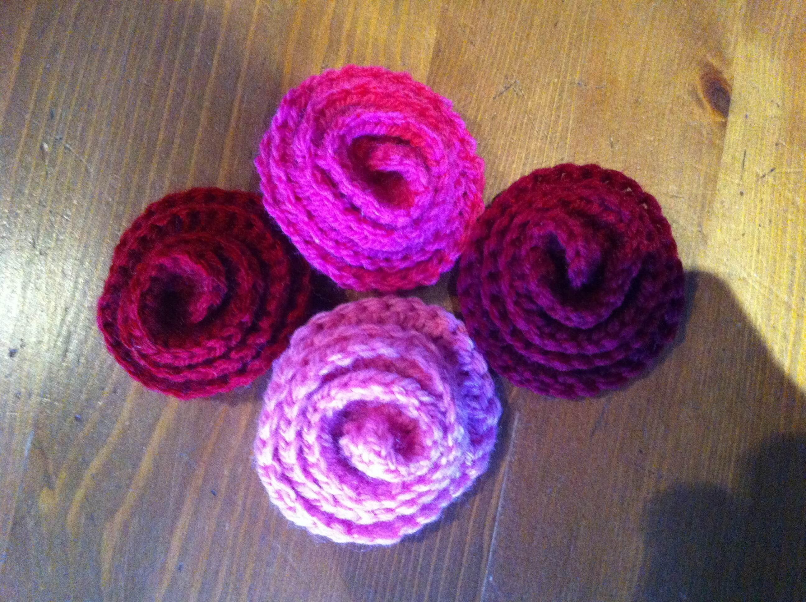 Tutoriel crochet : des petites fleurs faciles à faire pour la Saint Valentin