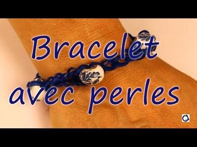Bracelet d'élastiques avec des perles