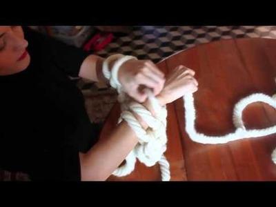DIY: tricot avec les bras.knitting with arms.avec tutoriel