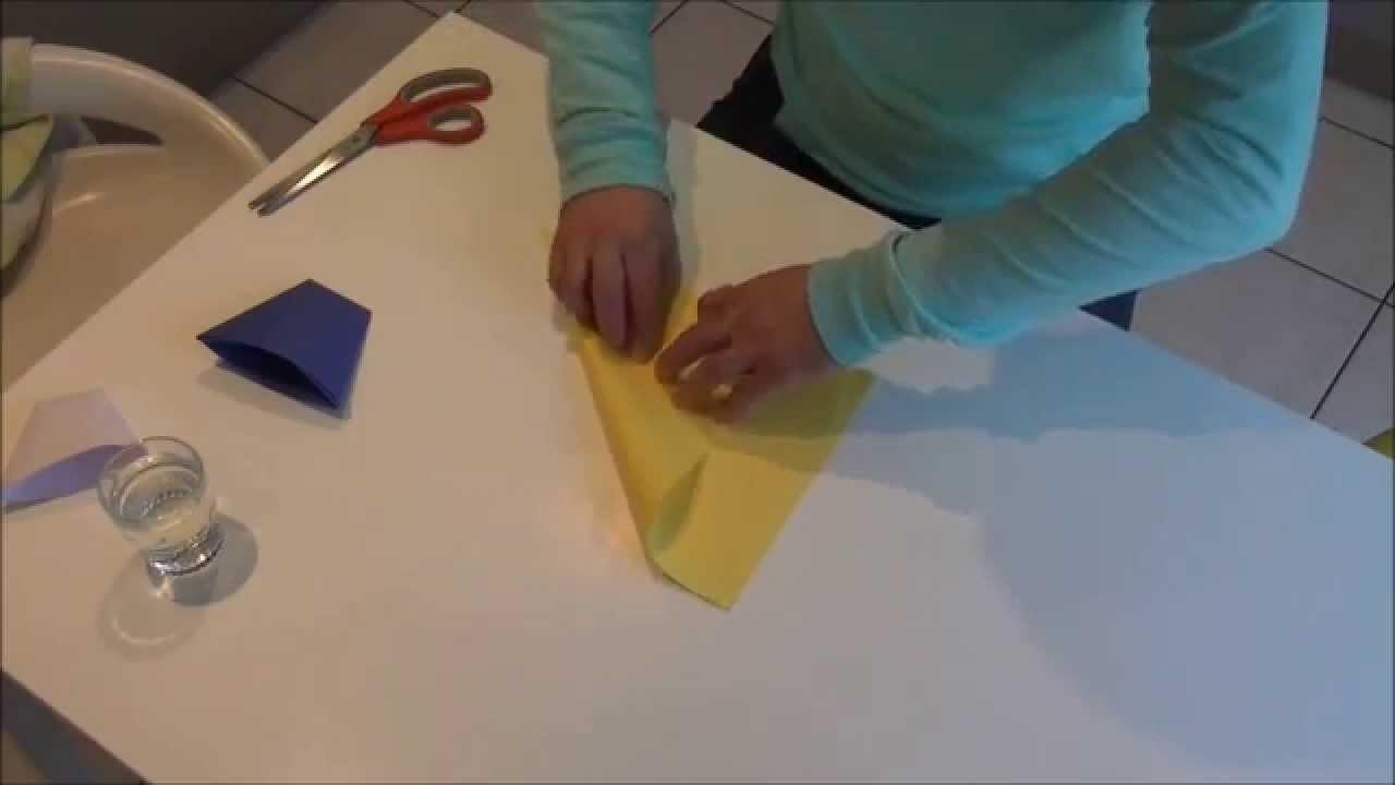 Astuce pour boire ; gobelet en papier ; origami ; pliage ; paper cup ; verre