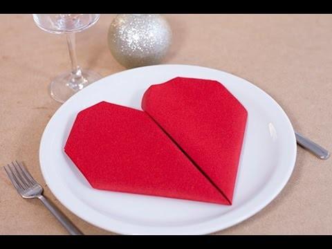 DIY Saint-Valentin : Pliage de serviette en forme de coeur