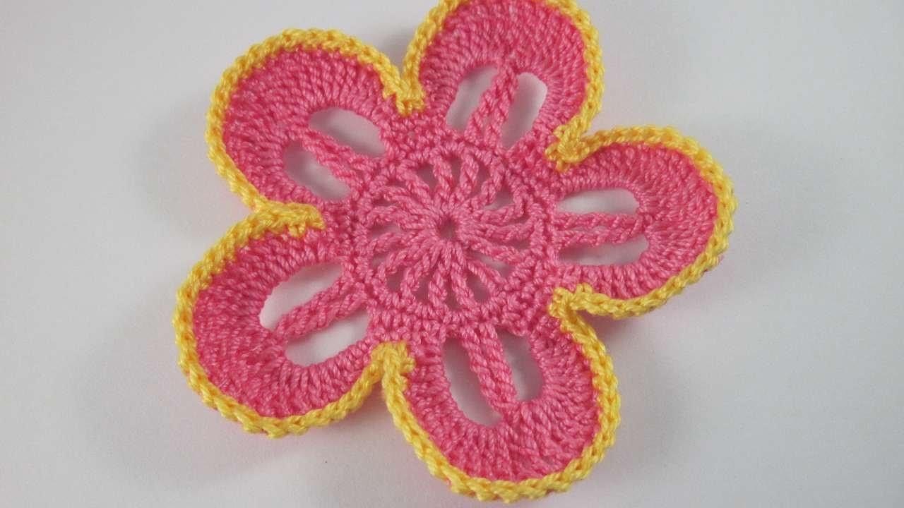 Une fleur bicolore au crochet - DIY Arts créatifs - Guidecentral