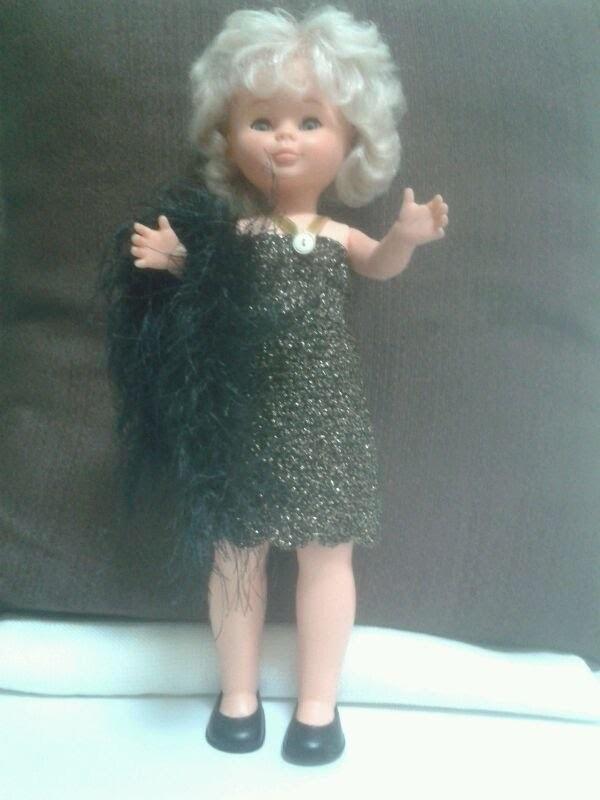 Robe au crochet pour poupée Nancy