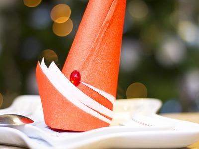 DIY Noël : Pliage de serviette en forme de Bonnet de Lutin