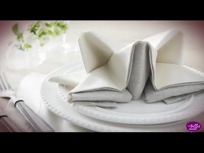 Pliage de serviette en forme d'étoile