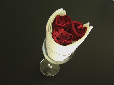Pliage serviette papier coupe de rose