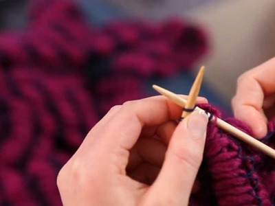 Tricoter une écharpe fantaisie en fil Farandole - Phildar