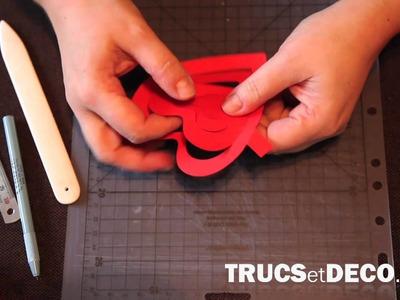 Carte pop up en forme de coeur en kirigami - Tutoriel par trucsetdeco.com