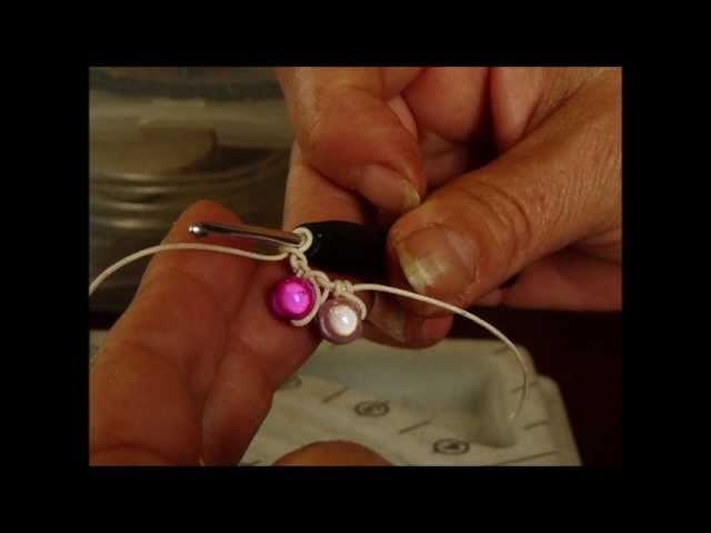 Faire un bracelet au crochet par Les Fées Créatives