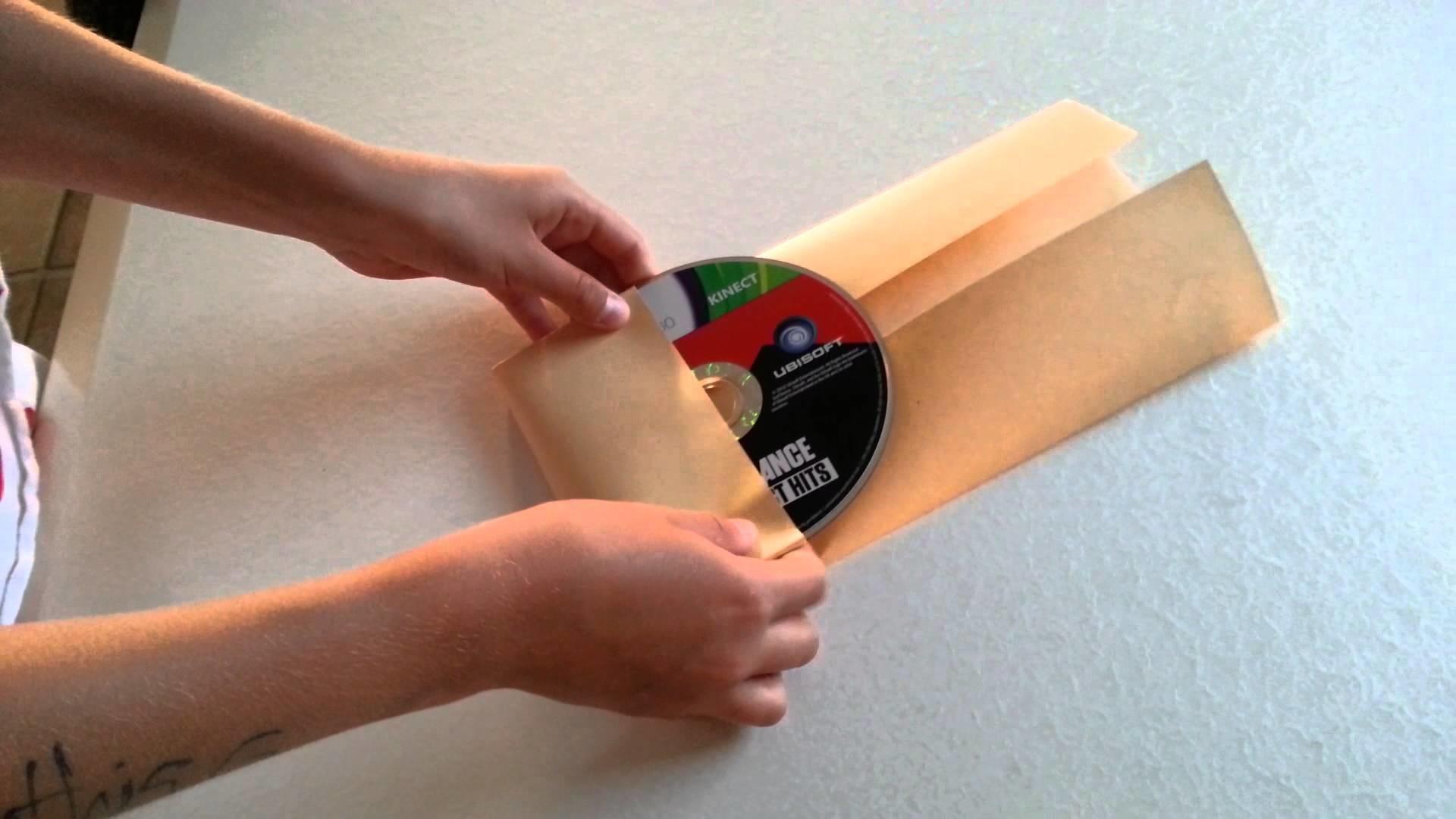 Origami pratique:rangement pour CD en papier.