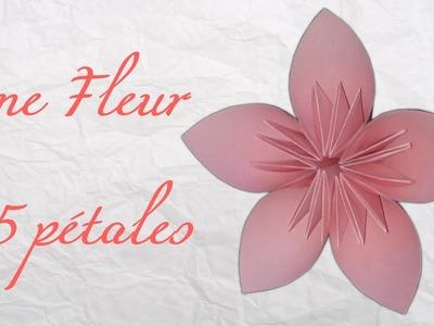 Origami ! Une fleur à 5 pétales.