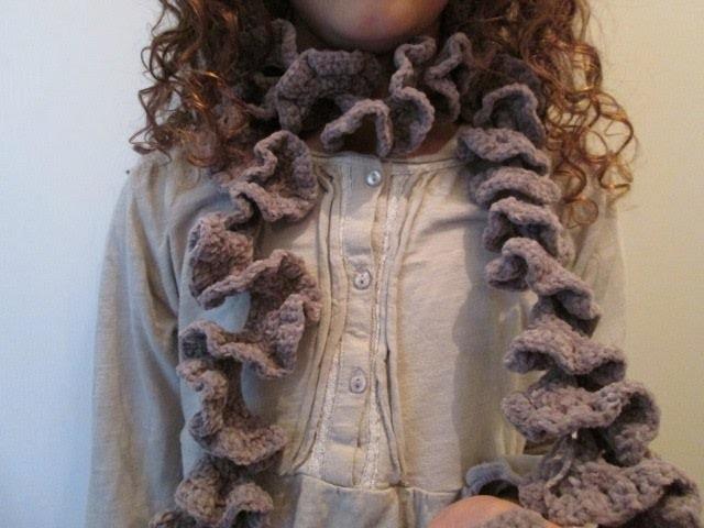 Tuto Crochet Facile Apprendre A Faire Une Echarpe Frou Frou Ou Nouilles En Spirale Au Crochet