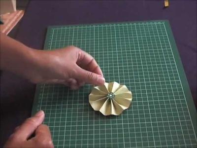 Tutoriel embellissement cocarde en papier