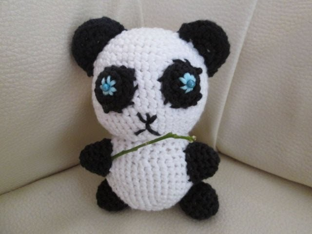 D.I.Y TUTO CROCHET PANDA AMIGURUMI AVEC PATRON (petit animaux au crochet)