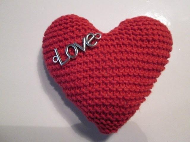 tuto tricot apprendre a tricoter un coeur coeur au. Black Bedroom Furniture Sets. Home Design Ideas