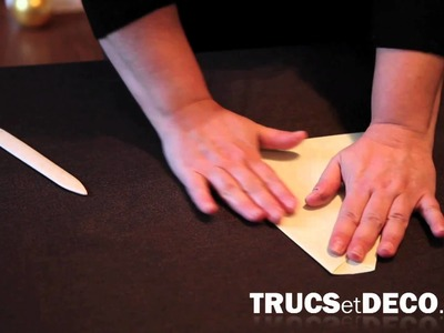 Comment faire un avion en papier ? - Tutoriel par trucsetdeco.com