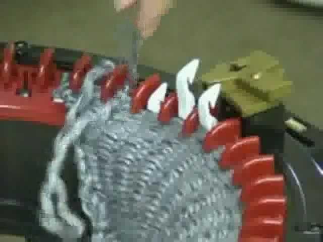 Tricoter à plat avec le tricotin géant Addi Kingsize