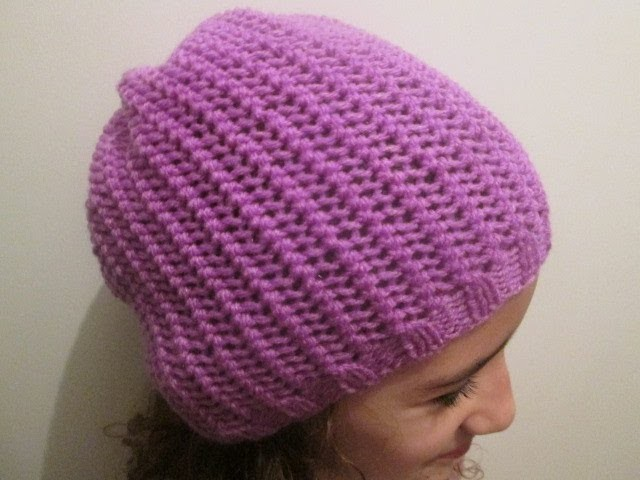 Tuto tricot apprendre a tricoter un bonnet au point de filet trop facile - Apprendre a tricoter gratuitement ...