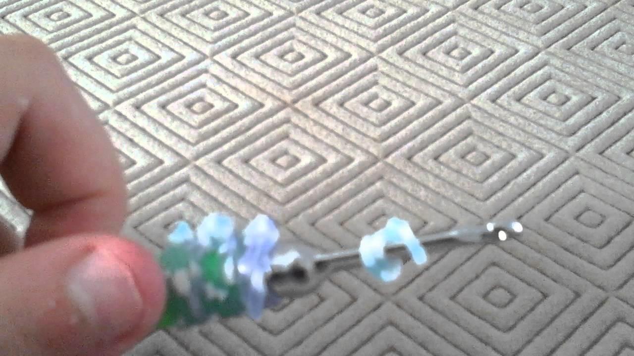 Porte - clés fleur en elastique raimbow loom