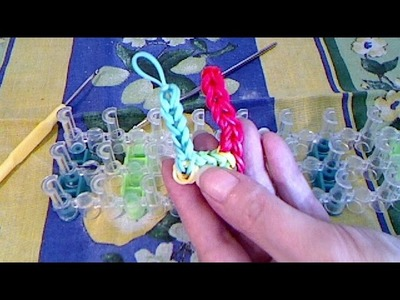 Rainbow loom francais lettre U ( loom band )