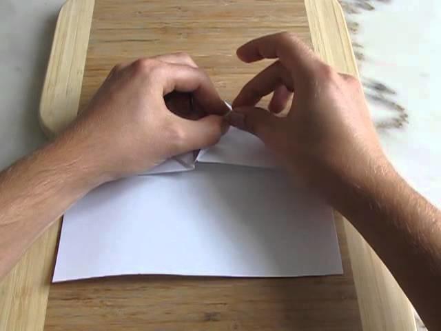 Le super avion en papier (pliage)
