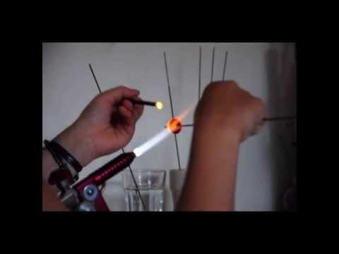 Comment faire une perle de verre filé au chalumeau