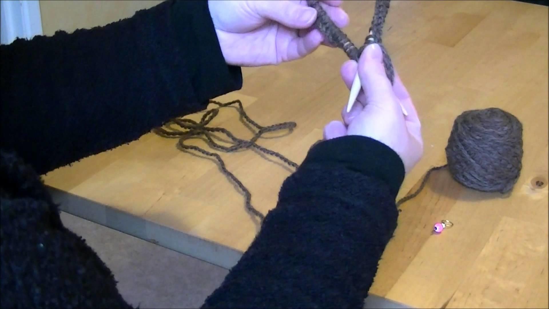 Tricoter en rond avec des aiguilles circulaires partie 1 - Tricoter avec une aiguille circulaire ...