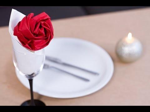 diy saint valentin pliage de serviette en forme de rose. Black Bedroom Furniture Sets. Home Design Ideas