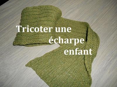 Tricoter une écharpe enfant