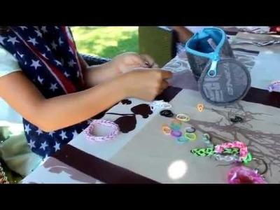 Comment faire des bracelets rainbow loom avec Ines & Emma