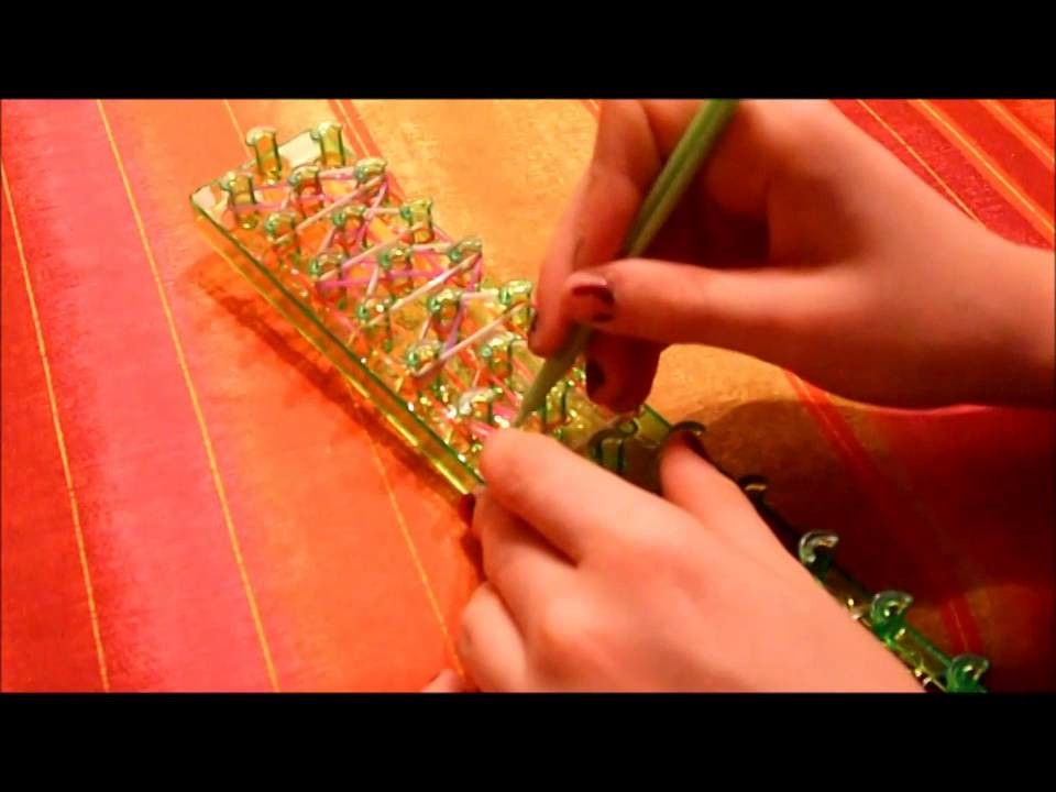 Déco à crochet lettrée en élastiques
