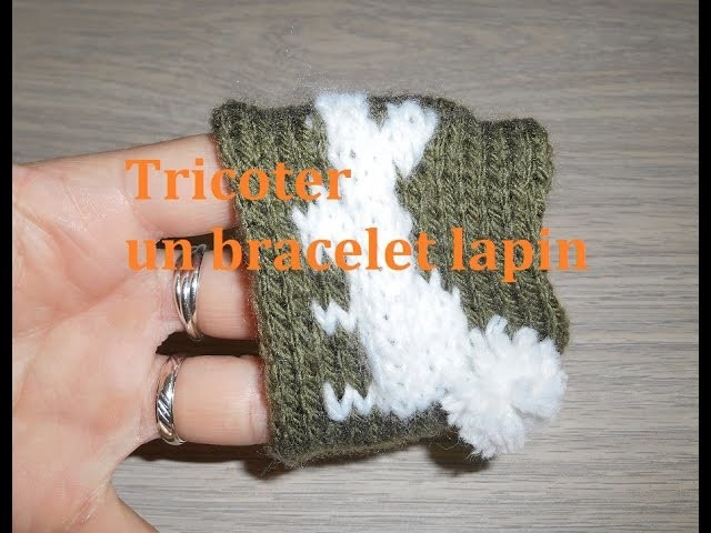 Tricoter un bracelet lapin avec sa queue en pompon