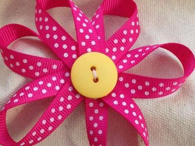 Fabriquez des fleurs décorative en ruban  - DIY Arts créatifs - Guidecentral