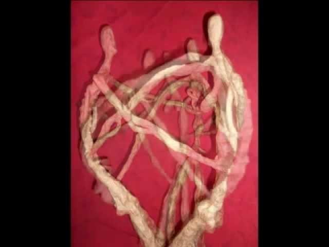 Sculpture en papier mâché vidéo n°2