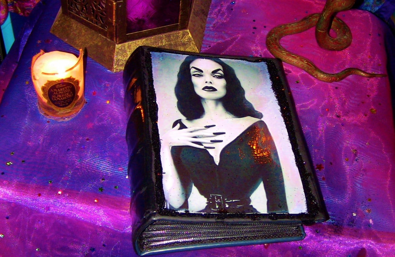 Faisant un livre de Vampira (Making a Vampira Book) ASMR DIY French.francais