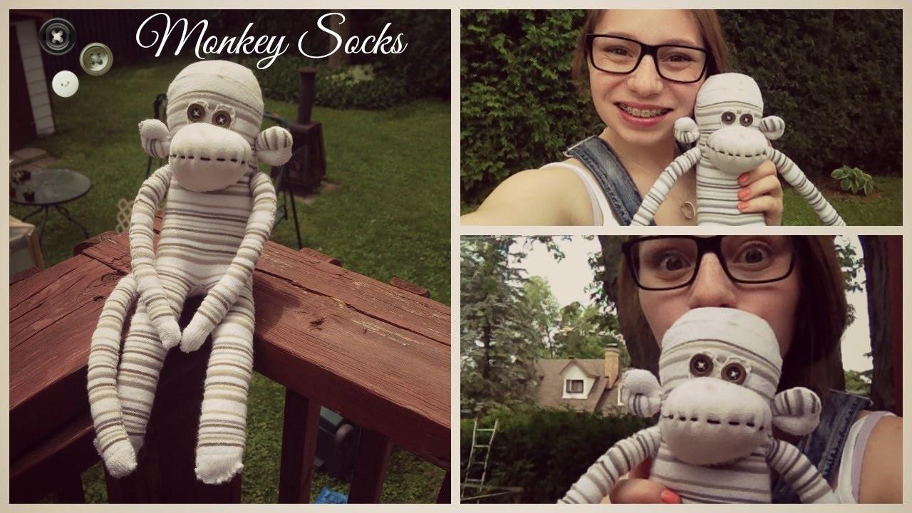 DIY  ~Monkey Socks. Singe Chaussette~