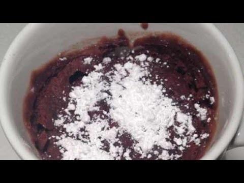 Préparez un délicieux mug-cake au chocolat - DIY Cuisine - Guidecentral