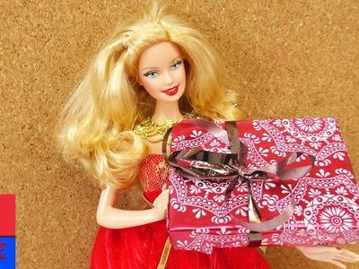 DIY cadeau de Barbie. Faire soi-même un cadeau Barbie avec carton et emballage. Jouet pour enfants