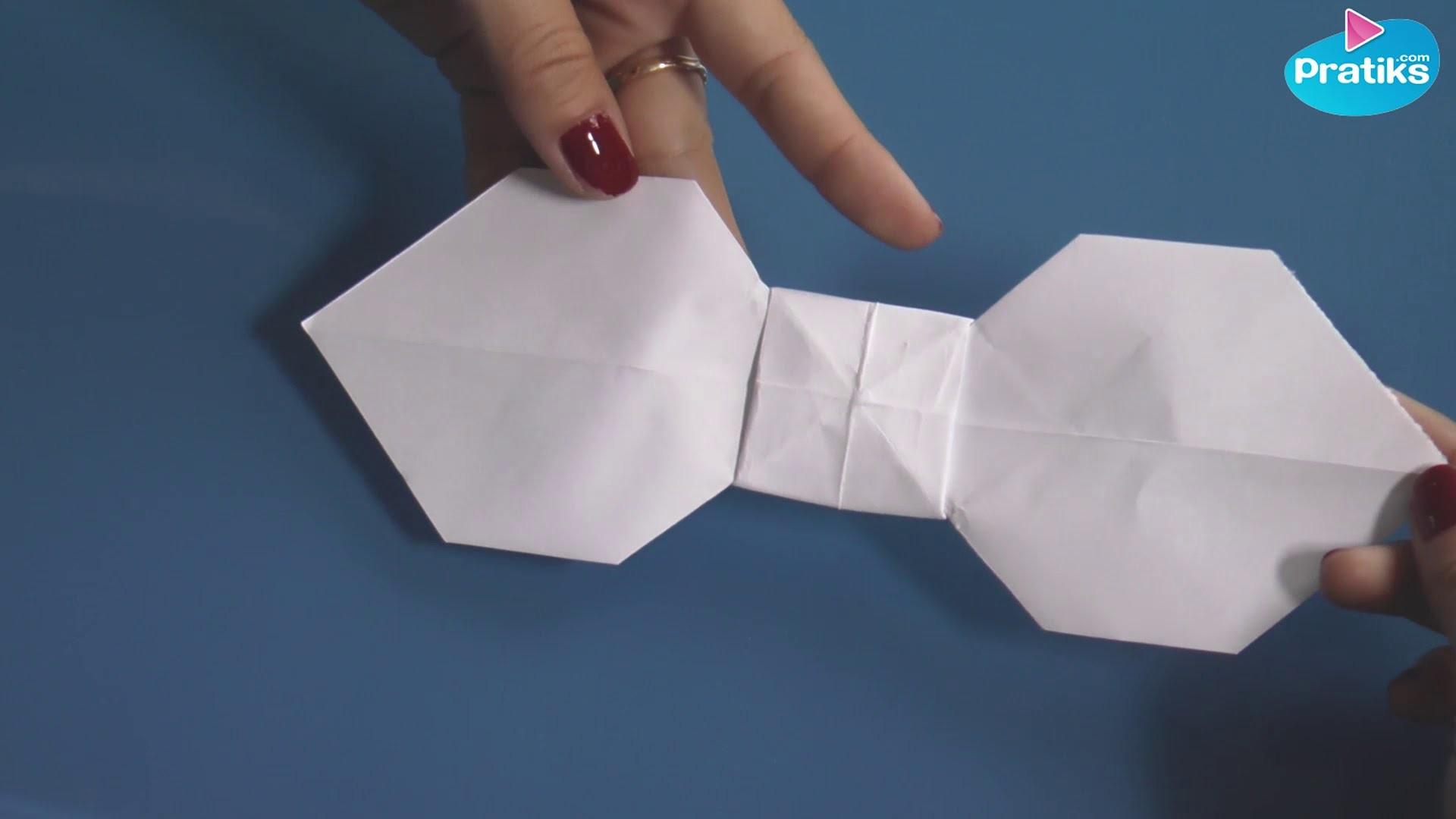 Origami comment faire un n ud papillon en papier - Comment faire un eventail en papier ...
