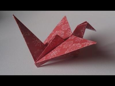 Origami ! L'oiseau qui bat des ailes.