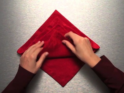 Pliage de serviette sapin de Noël par Ferrero Rocher (Tutoriel)