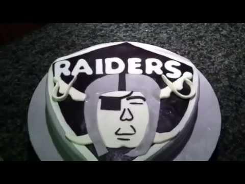 Raiders fondant cake
